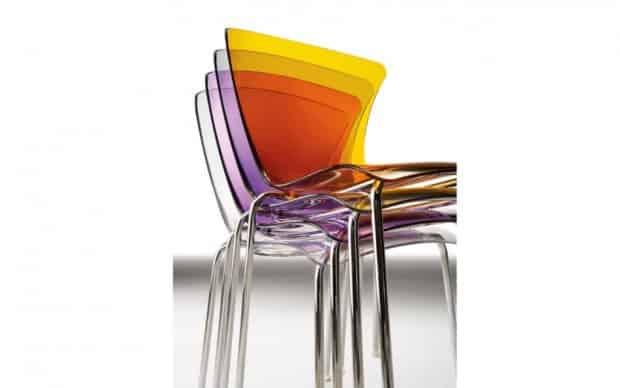 Infiniti Chair Glossy gestapelt transparent