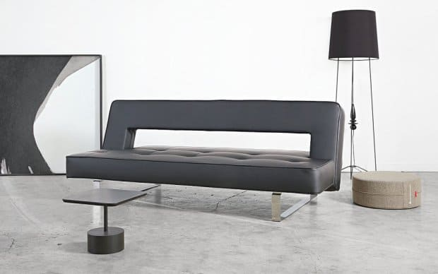 Innovation Sofa Puzzle Luxe schwarz Showroom