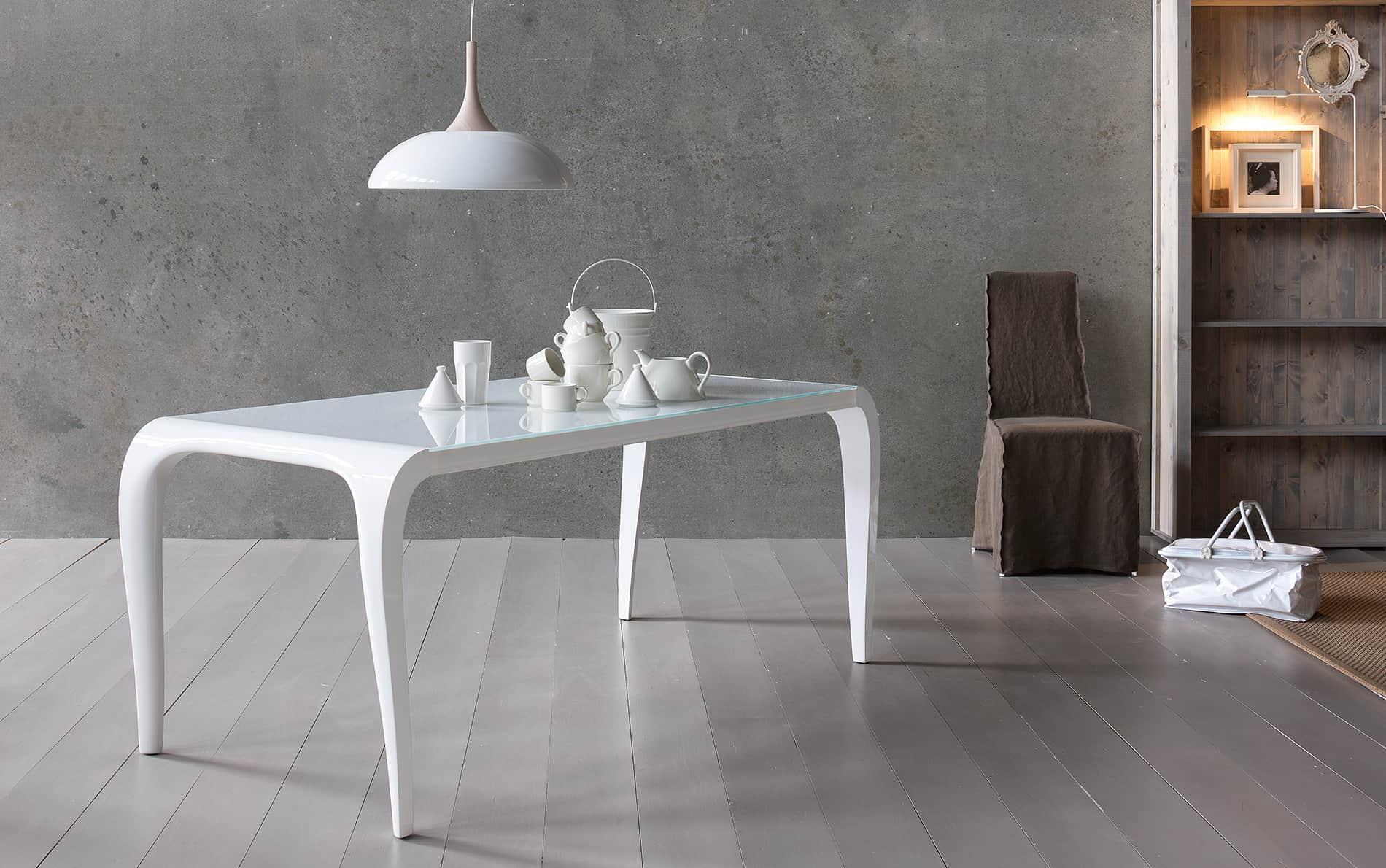 Tisch Artu