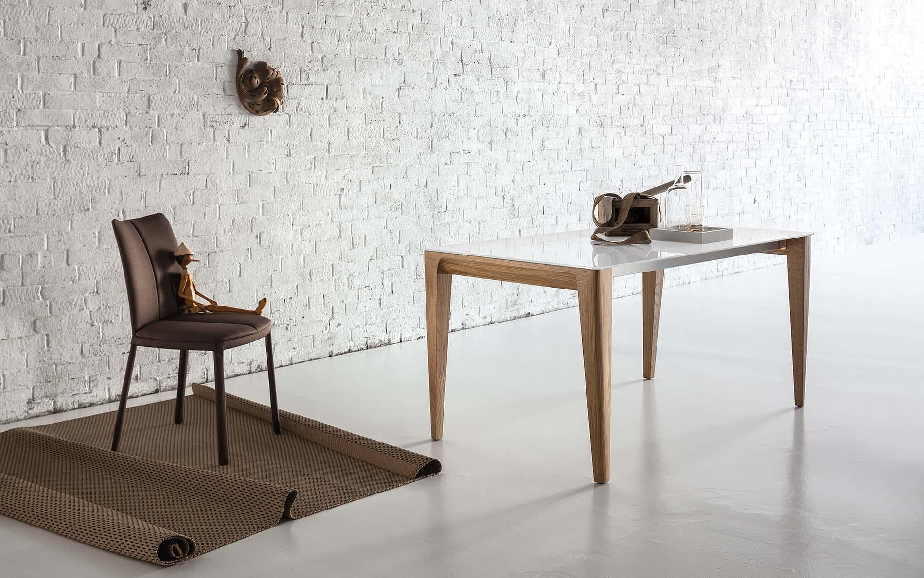 Tisch Mirage