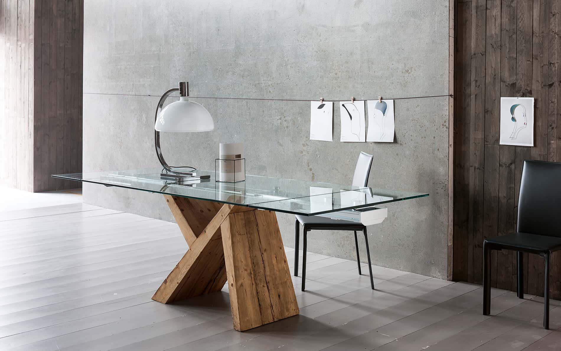 Tisch Tabia