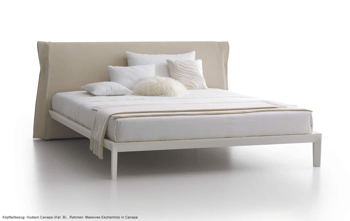 bett massivholz gepolstertes kopfteil de pumpink. Black Bedroom Furniture Sets. Home Design Ideas