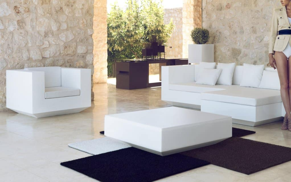 vondom vela mesa sofa tisch matt hochglanz. Black Bedroom Furniture Sets. Home Design Ideas