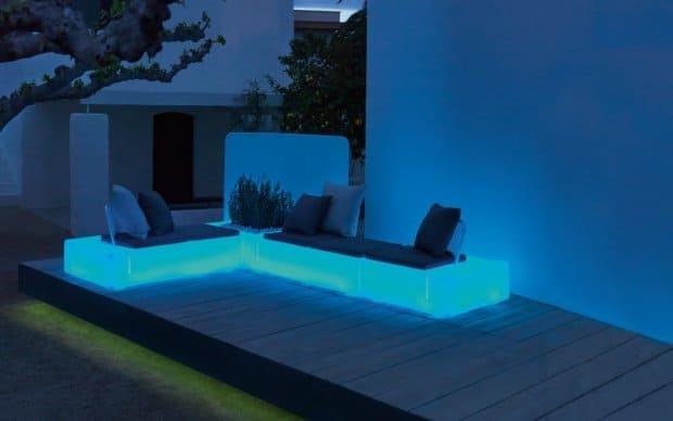 Vondom Kes Sofa Element Rechts blau leuchtend