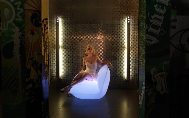 Vondom Pillow Kolletion Leuchtend Sessel