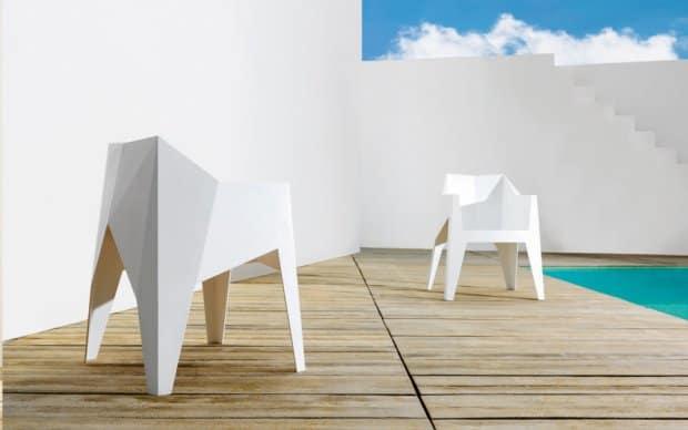 Voxel Stuhl (Vondom) weiß - auf der Terrasse