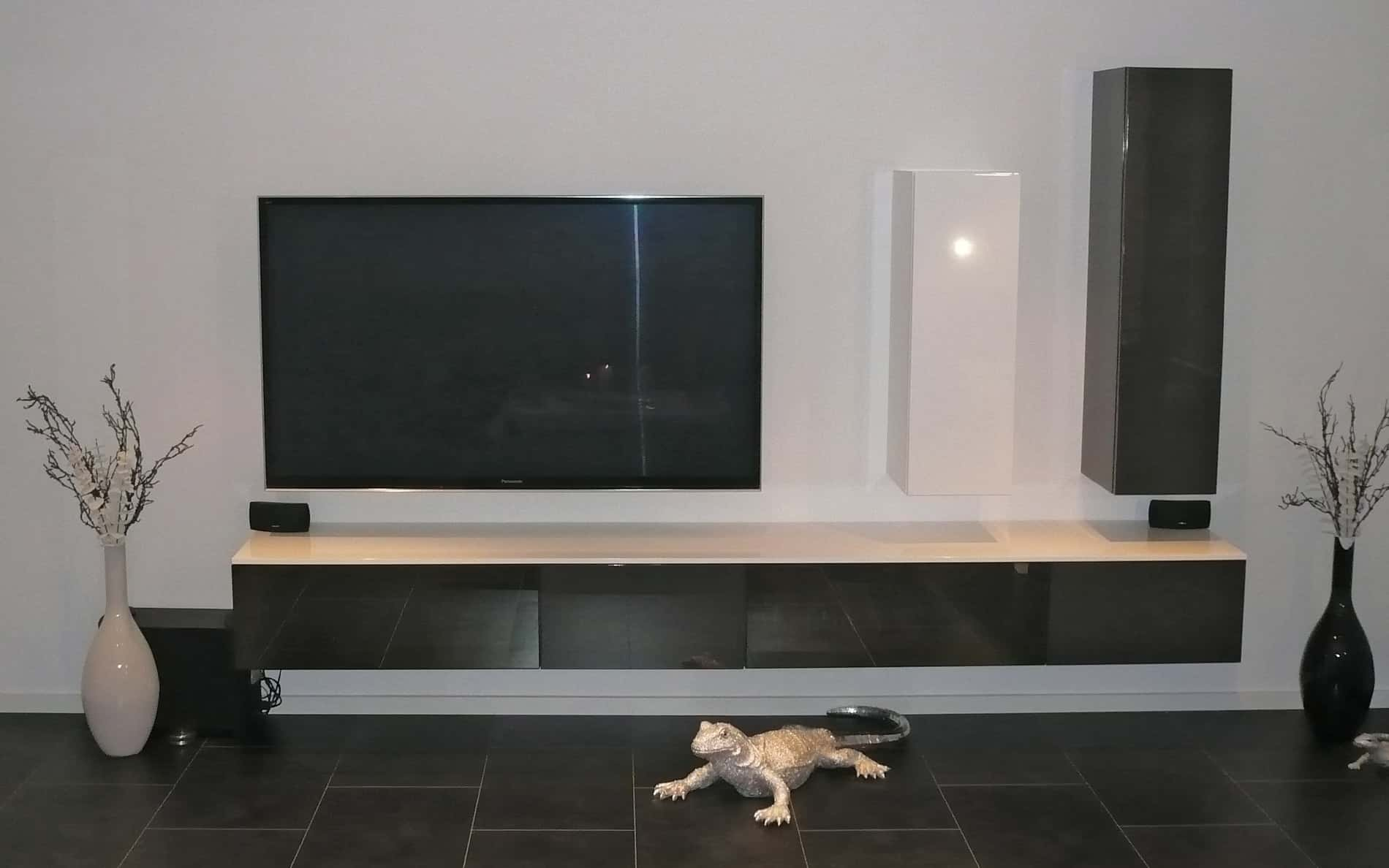 tv wand optimale h he m bel design idee f r sie. Black Bedroom Furniture Sets. Home Design Ideas